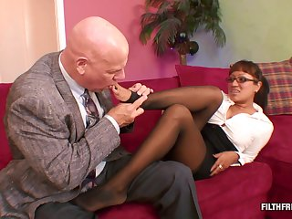 Skilled cougar knows what pleases her horny friend the most adroitly