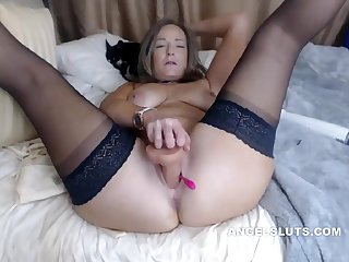 Lickerish Shaved Milf Does Great Show