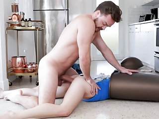 Unexpected sex with whore close by garbage can