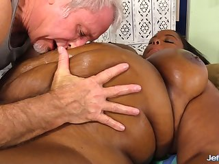 Black Plumper Olivia Leigh Lets a Masseur Venerate Her Big Beautiful Body
