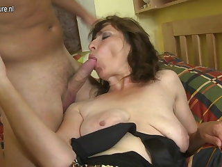 Hairy mom having it away say no to son's best friend