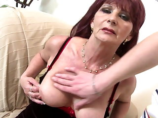Old grandma floosie suck and be crazy big young cock