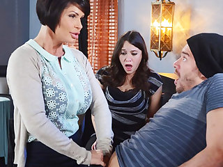 Horny mom make a genius to her wet pussy