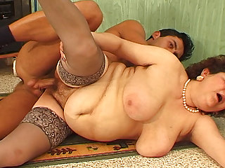bbw mom wild fucked off out of one's mind her toyboy
