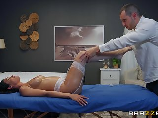 oiled and wet cunt be advisable for Katana Kombat is completeness her masseur wants to touch