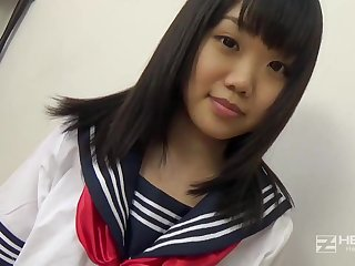 Asian honey, Natsuno Himawari is wearing her college uniform while getting smashed and fellating sink