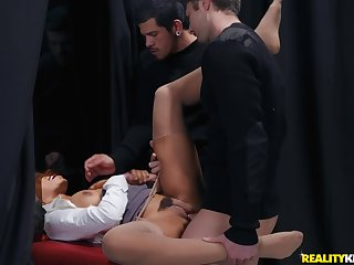 Three friends enjoy concerning interracial triple round an ebony babe Jenna Foxx
