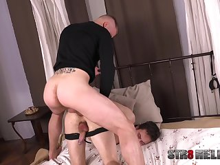 Kinky sexual gay game at lodging be incumbent on the naked hubby